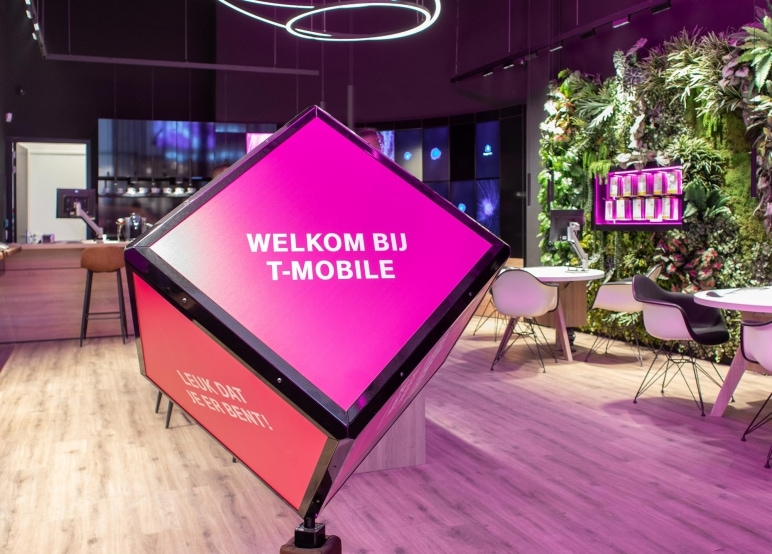 t-mobile shops weer open